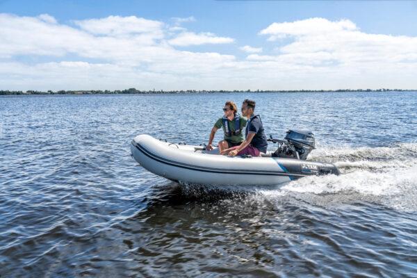 2020-Yamaha-YAM340S-EU-Arctic_Grey-Action-003-03