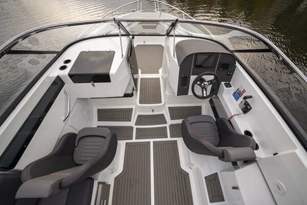 bow-rider-amt-230-br-6_reference